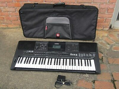 YAMAHA PSR-E453 61 Note Portable Electronic Keyboard WITH A NICE BAG