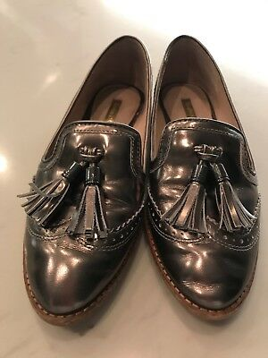 43a6e749a4 Louise Et Cie Lo-Joey Leather Loafers Metallic Pewter Tassel Womens Sz 7M  EUC