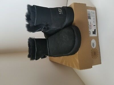 565e41e8382 UGGS FOR KIDS boots color: black size:1 brand new authentic