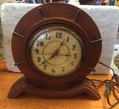 Vintage Ship's Wheel electric Art Deco mantle clock . w/o . The Admiral