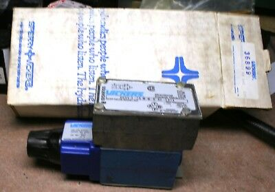 New in Box Vickers DG4V-3-2A-M-W-B-40-S324 directionnal valve W/DGVM3 Back Plate