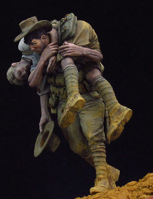 1:24 resin figure model kit Army soldier Saving Force Unassambled Unpainted WWII