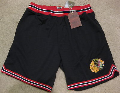 $125 NEW Mitchell & Ness M&N Chicago Blackhawks Hockey Basketball Shorts Small