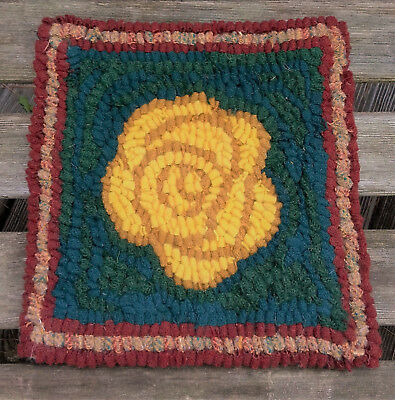 BEGINNER YELLOW ROSE  Rug Hooking KIT WITH #8 CUT WOOL STRIPS