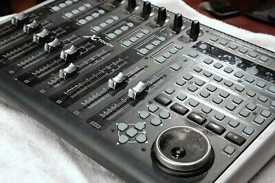 Behringer X-Touch Universal USB MIDI Control Surface Controller Console