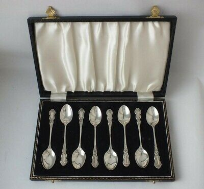 Pretty Boxed Set of 8 Solid Sterling Silver Coffee Spoons 1964/ L 9.5 cm