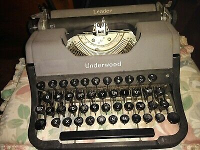 Vintage UNDERWOOD LEADER  Manual Typewriter  1950