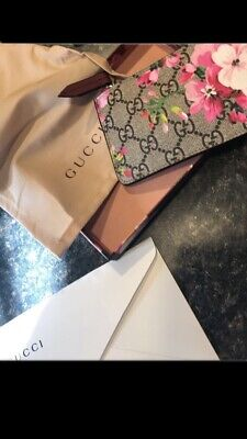 premium selection aba8c 2cce7 GUCCI GG BLOOMS Key Case - GUCCI