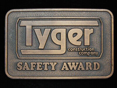 PA05137 *NOS* VINTAGE 1970s **TYGER CONSTRUCTION COMPANY** SAFETY AWARD BUCKLE