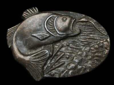 MH09117 VINTAGE 1970s **LARGE MOUTH BASS JUMPING FOR BAIT** FISHING BELT BUCKLE