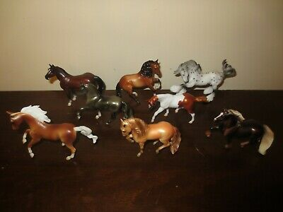 2019 Breyer #6047- Mystery Surprise Stablemates Series 2 - Full set of 8 Horses