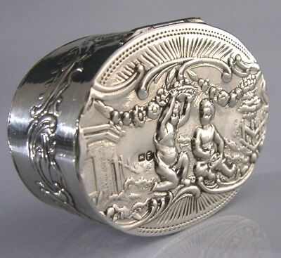 Beautiful German Hanau Solid Silver Cherub Snuff Pill Box 1900 Antique