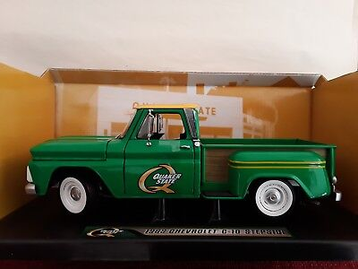Chevrolet C-10 Stepside * Pick Up Quacker State * 1:18 Greenlight ( Lackfehler )