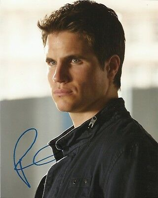Robbie Amell Tomorrow People Autographed Signed 8x10 Photo COA