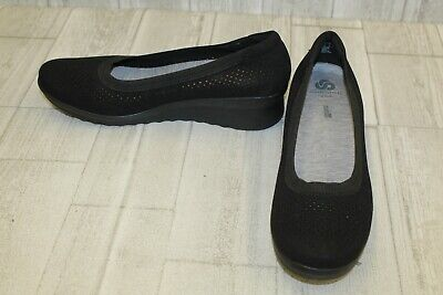 79ad09385fc3 CLARKS CADDELL TRAIL Perforated Wedge Pumps
