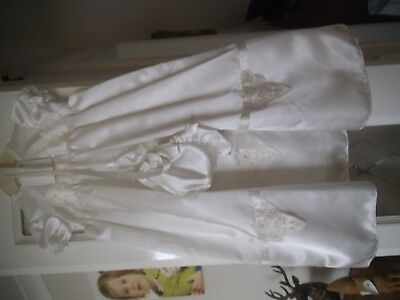 Beautiful Ivory Christening Gown With Bonnet Brand New 6-12Months