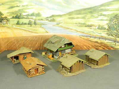 HO 1:87 BUILT Model HUNTING / FISHING CAMP: LODGE and FOUR (4) LOG CABINS