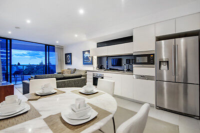 GOLD COAST ACCOMMODATION Broadbeach Oracle 5 Star 1 Bedroom + Study 7nts $1000