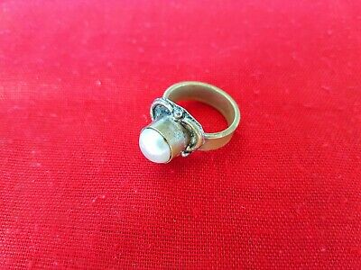 Rare Ancient ROMAN Bronze Ring with White Agate Magnificent