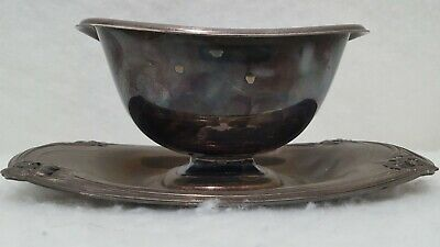 1847 Rogers Bros Daffodil Silverplate Gravy Boat with Attached Underplate Tray