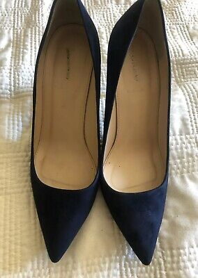 250b57f9f117 PREOWNED CHRISTIAN LOUBOUTIN 85mm Ron Ron Black Patent Leather Pumps ...