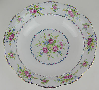 Round Serving Bowl Royal Albert Petit Point vintage bone china dish England