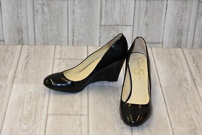 c1ab9192088c Jessica Simpson Women s Cash Wedge Pump - Black - Size 9.5 M