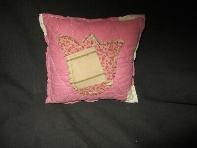 Primitive Quilted pillow tuck - pink/white with tulip - Easter/spring