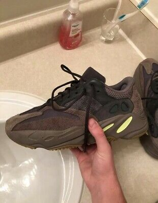 a36eae658db2a ADIDAS YEEZY BOOST 700 Mauve EE9614 Mens Size 9.5 Preowned With Box ...