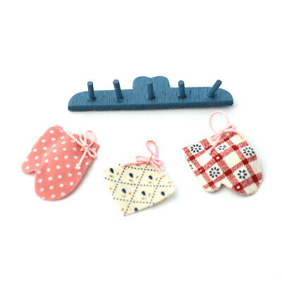 Dolls House Miniatures:  Set of Oven Mitts & Hook Rail in 12th scale