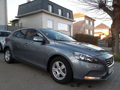 Volvo V40 1.6 D2 // FULL OPTION // 88gr // ...