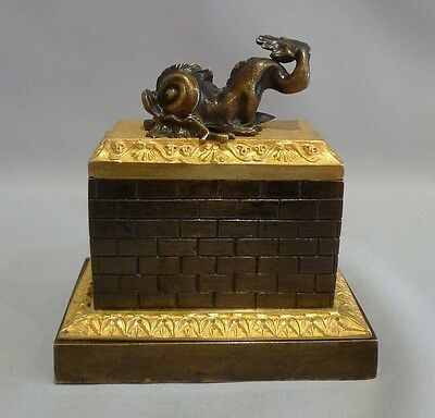 Antique English Regency inkwell in patinated bronze  with dolphin mount