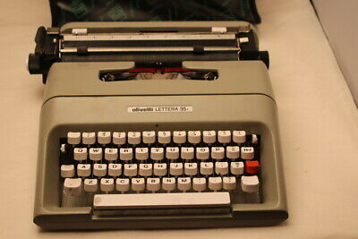 Vintage Olivetti Lettera  35i Portable Manual Typewriter with Carrying Bag