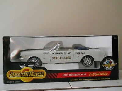 1:12 Diecasat 1964 1/2 Ford Mustang Indy 500 Pace Car (New