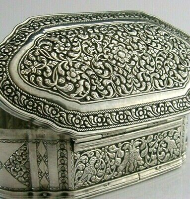 LARGE ANGLO INDIAN CEYLON SILVER TABLE BOX c1900 ANTIQUE HEAVY 159g STUNNING