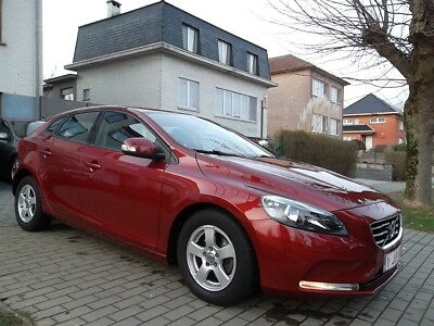 Volvo V40 1.6 D2 // 58.000 KM // FULL OPTION // 88gr // ...