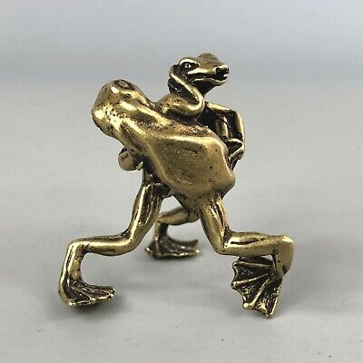 Chinese Antique Collectible Brass Handwork Rare Kung Fu Wrestling Frogs Statue