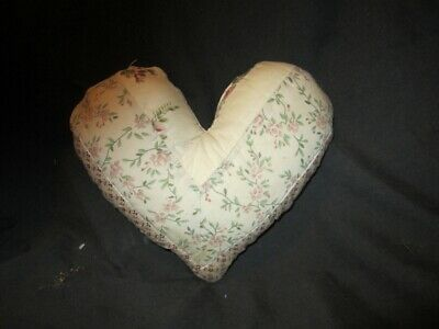 Primitive   quilted Heart Pillow - cream/sage/rose