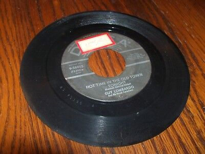 """GUY LOMBARDO Auld Lang Syne / Hot Time in Old Town Tonight 7"""" Vinyl 45 RPM Decca"""