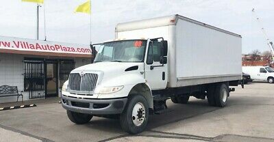 2008 International 4400 24ft Box Truck with Liftgate Only 69k miles