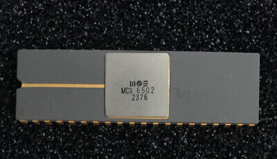 MOS MCS 6502 CPU IC Date Code 2376 Apple 1 Ceramic Grey