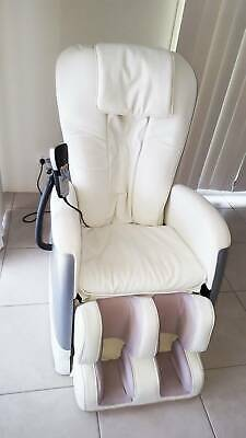 Super Deluxe Massage Chair (Ivory Color) in Excellent Condition
