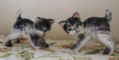Tabby Cat Porcelain Kitty Cat Kitten Vintage Salt And Pepper Shakers Set w/ Cork