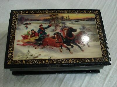 Russian Black Lacquer DECORATED BOX 3 Horses (Troika) & Sleigh red inside winter