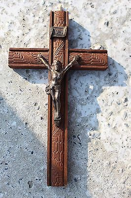 Lovely vintage Mid Century Carved Wood Hanging Crucifix Cross Jesus Christ #337