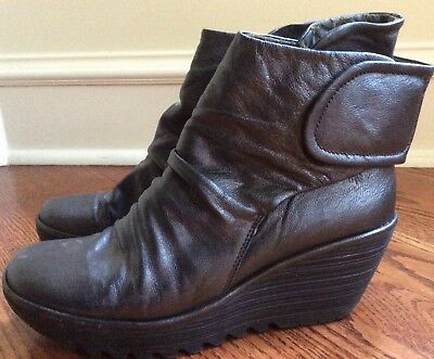 b5b0fc91fcbe5 Fly London Yomi Graphite Velcro Leather Ankle Boots Size 41 10 Womens Wedge  Heel