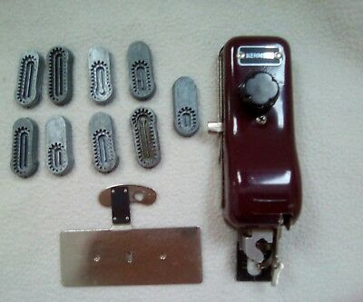 Kenmore Vintage Buttomhole Maker And Attachments~# 60706