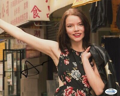 Photographs Sexy Anya Taylor-joy Autographed 8.5x11 Photo Signed Split Glass W/ Beckett Coa
