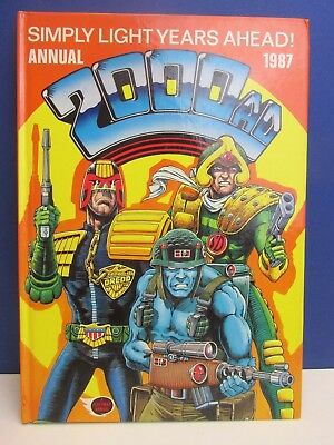 old vintage JUDGE DREDD 2000AD ANNUAL STORY BOOK 1987 HARDBACK fleetway 50z