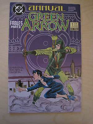 """GREEN ARROW : ANNUAL # 1 """"FABLES"""".SUGGESTED FOR MATURE READERS.1st PRINT.DC.1988"""